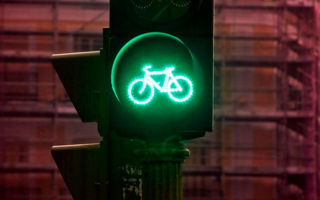 Polizia locale – Ciclisti al semaforo: nuovi chiarimenti dal ministero